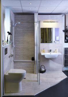 shower rooms - Google Search Bathroom Rugs, Small Bathroom, Design Bathroom, Shower Rooms, Bath Shower, Bathroom Remodeling, Remodeling Ideas, Bath Remodel, Easy Access