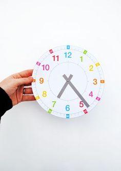 'Tell the time' clock - Horloge pour apprendre l'heure // free printable by minieco // à imprimer