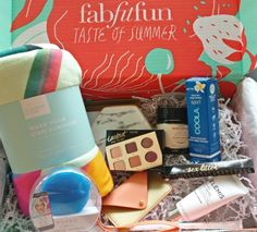Top 3 best beauty subscription boxes worth signing up for Best Beauty Subscription Boxes, Beauty Box Subscriptions, Alcove Bed, Makeup You Need, Too Much Makeup, Ipsy Glam Bag, High End Makeup, Just Beauty, I Remember When