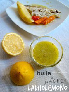 Le ladholemono : un peu d'huile et de jus de citron pour accompagner un poisson Cantaloupe, Fruit, Attention, Sauces, Cooking, Food, Twists, Lemon, Juice
