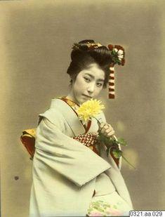 kvinna, porträtt, fotografi, photograph   Okänd Hand Coloring, Japanese, Fashion, Moda, Japanese Language, Fashion Styles, Fashion Illustrations, Fashion Models
