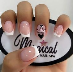 The most beautiful wedding nails, we help you choose - Page 44 of 60 - Inspiration Diary Summer Acrylic Nails, Cute Acrylic Nails, Cute Nails, Summer Nails, French Nails, Nail Manicure, Gel Nails, Nail Spa, Diy Ongles