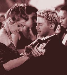 willow and oz the best couple! Why did they have to split!?!?!