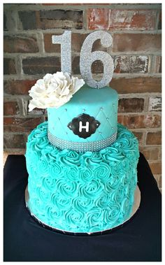 Teal blue sweet 16th birthday cake by Max Amor Cakes.
