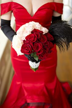 "Red, Pink, White Ombre Bouquet| Elegant {Pink, Red, Black & Gold}""Pretty Woman"" Valentine's Wedding Inspiration