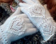 Gloves for the Bride / Winter Gloves on a Wedding / Wedding in White Color in the Winter Knitted Gloves, Fingerless Gloves, Knitting Charts, Knitting Patterns, Arm Warmers, Trending Outfits, Handmade Gifts, Winter Gloves, Etsy