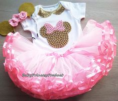 Minnie Mouse pink and gold tutu outfit,Pink and Gold Minnie Mouse tutu set,Minnie Mouse Birthday outfit,Disneyland Outfit Minnie Mouse Theme Party, Minnie Mouse Birthday Outfit, First Birthday Tutu, Mouse Outfit, Girl Birthday Themes, Tutu Minnie, Minnie Mouse Pink, Gold Tutu, Disneyland Outfits