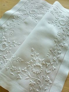 Stunning Victorian Hand Embroidered White Work Large Table Centre Piece - Raised Embroidery My Etsy White Embroidery, Hand Embroidery Designs, Vintage Embroidery, Embroidery Art, Embroidery Stitches, Embroidery Patterns, Machine Embroidery, Linens And Lace, Heirloom Sewing