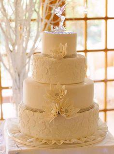 Lace-Wedding-Cakes-19