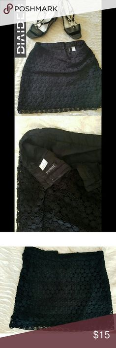 ??DIVIDED BLACK CROTCHET EMBROIDED SKIRT *size 4 *worn once  *EUC!  *length is 15 inches from top  - cover photo had a red flash from sunlight, there's no red tint. Xxx see 3rd photo ?? Divided Skirts Mini