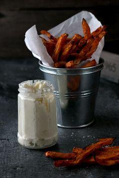 Knusprige Süßkartoffel-Pommes: Leckere Alternative mit wenig Kalorien #SweetPotatoFries #DIY #Recipe