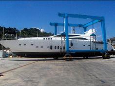 Marine Travel Lift For Sale-China Boat Hoist Crane Supplier Good Price Boat Hoist, Cranes For Sale, Crane Lift, Crane Design, Gantry Crane, Top Boat, Lift Design, Electric Boat, Boat Trailer