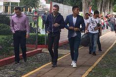 CHIVAS VENDE A PRECIOS RAZONABLES, NO PACHUCA: HIGUERA El directivo de Grupo Omnilife reconoció que los Tuzos piden precios fuera del mercado por sus jugadores.