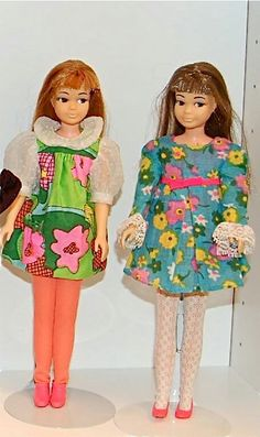 Barbie Fashion Icon of the - Barbie in Japan! - A site to showcase collections of Vintage Barbie dolls and fashions. Barbie Life, Barbie Dream, Barbie World, Barbie And Ken, Barbie Sisters, Barbie Family, Retro Toys, 60s Toys, Barbie Wardrobe