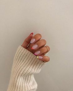 Are you digging this nail art trend? Are you digging this nail art trend?