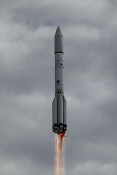 Photos: Russian Proton rocket blasts off with EchoStar 21 – Spaceflight Now