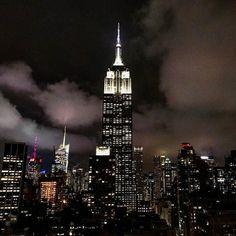 230 Fifth - NYC. Essa vista incrível é de bar da 5 Avenida. Na hora do happy hour a entrada é gratuita e os preços ótimos!