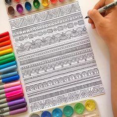 No photo description available. Doodle Art Drawing, Cool Art Drawings, Zentangle Drawings, Mandala Drawing, Pencil Art Drawings, Mandala Art Lesson, Mandala Doodle, Doodle Patterns, Zentangle Patterns