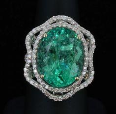 Emerald & Diamond Ring Mounted In 18k Gold