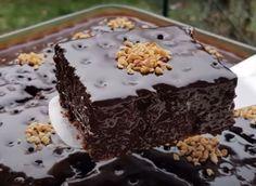 Η Απόλυτη Σοκολατόπιτα1 Greek Desserts, Chocolate Sweets, Cheesecake Cake, Mini Cakes, Food To Make, Cake Recipes, Sweet Treats, Food And Drink, Cooking Recipes