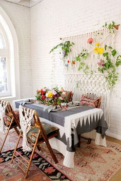 Dining Rooms: Boho Dining Room With A Macrame Wall Hanging - 18 Eclectic Dining Rooms with Boho Style. Boho Chic Living Room, Boho Room, Living Room Decor Inspiration, Deco Boheme, Small Dining, Deco Table, Deco Design, Dining Room Design, Dining Rooms