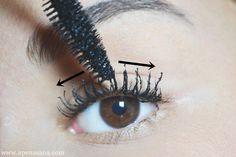 Use o pincel do rímel na vertical para separar os cílios e na horizontal para reforçar a curvatura. | 26 truques rápidos de maquiagem que vão facilitar a sua vida