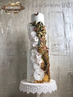Artist Name: Lucia Simeone Location: Rome Italy Business Name: Lucia Simeone – DolceLulù The Moon and its influences, romanticism and concreteness, perfect gears of love. This is my Steampunk style wedding cake. Completely covered in real icing,. Unique Cakes, Creative Cakes, Big Cakes, Wedding Cake Inspiration, Daily Inspiration, Beautiful Wedding Cakes, Cupcake Cookies, Cupcakes, Pretty Cakes