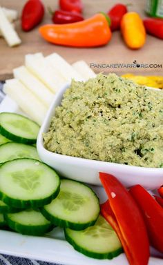 This easy paleo artichoke hummus dip is easy to make, has just 7 ingredients and will be ready in less than 10 minutes. Vegan, grain free, gluten free, whole30 and paleo! | www.pancakewarrio...