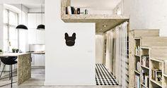 "Zegar ""Bulldog"" na ścianie/ ""Bulldog"" Clock on the wall"
