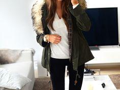 rainy & grey : fur hooded parka : must