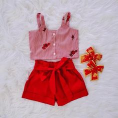 Lookinho lindo 😍 Toddler Outfits, Girl Outfits, Dress Neck Designs, Diy Scarf, Divas, Girls Dresses, Tunic, Rompers, Clothes