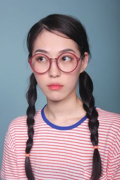 """ color circle glasses (BLACK/RED) 17,000원 """