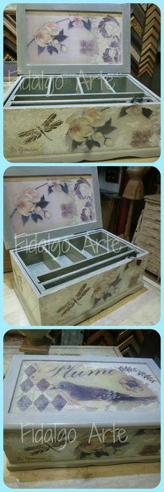 Caja  joyero, también utilizable como costurero.