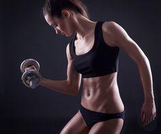 5 formas de hacer abdominales de pie #holaenforma