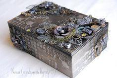 Altered Box http://scrapuleuxmonde.blogspot.fr/2015/08/video-boite-sucre.html