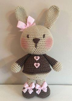 Watch This Video Incredible Crochet a Bear Ideas. Cutest Crochet a Bear Ideas. Crochet 101, Crochet Amigurumi, Crochet Bunny, Love Crochet, Amigurumi Patterns, Crochet Animals, Crochet Dolls, Crochet Patterns, Pinterest Crochet