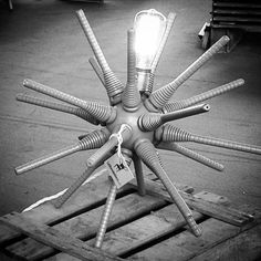 Sputnik spider lamp by La Shenda Deco Spider Lamp, Industrial Style Lamps, Old Wooden Boxes, Eclectic Decor, Black And White Photography, Ceiling Fan, Retro Fashion, Upcycle, Interior