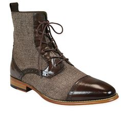 Tweed, indeed! Our Men's Tweed Boot in Brown keeps vintage fashion afoot with…