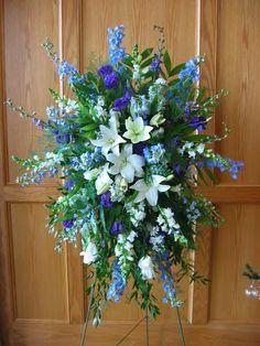 blue and white easel spray - Mana vietne Casket Flowers, Grave Flowers, Cemetery Flowers, Church Flowers, Blue Flower Arrangements, Funeral Floral Arrangements, Artificial Flower Arrangements, Funeral Bouquet, Funeral Flowers