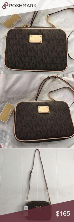Spotted while shopping on Poshmark: Michael kors crossbody bag! #poshmark #fashion #shopping #style #Michael Kors #Handbags