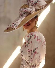 Couture Fashion, Fashion Beauty, Derby Outfits, Ascot Outfits, Race Wear, Beautiful High Heels, Fancy Hats, Wedding Hats, Elegant Outfit