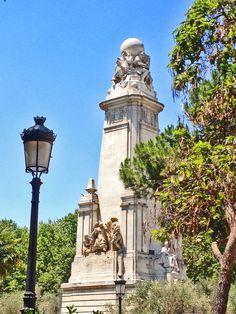 Fuente dedicada a Miguel de Cervantes. Plaza de España.
