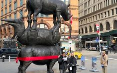 Astor Place in New York City has become home to a special sculpture that represents the last living members of a species that has been nearly wiped off the face of the earth thanks topoaching.