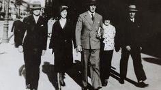 Angela Merkels polish roots. Ludwik Kazmierczak, Merkels paternal grandfather (at the right) with family in Poznan (Posen) Poland.  #Merkel