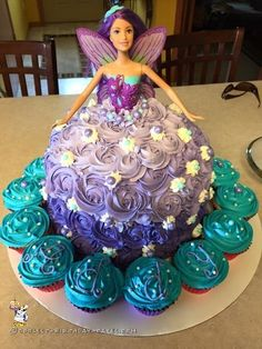 I made this fairytale Barbie doll cake for my niece's 5th birthday. Barbie just had to be the theme this year! 5th Birthday Barbie Doll Cake Directio...