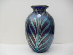 Fenton Favrene Feathers Vase by Dave Fetty, LE VASE from Connoisseur Collection 2002