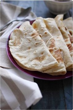 Les tortillas sont très faciles à faire, il n'y a donc pas d'intérêt à les acheter (surtout quand on voit la liste des ingrédients...). Il faut faire atten