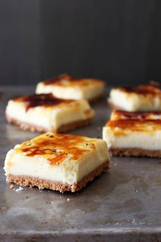 Creme Brulee Cheesecake Bars- tried it. Not bad, but I think I prefer cheesecake or creme brulee rather than a mashup. Creme Brulee Cheesecake Bars, Cheesecake Recipes, Dessert Recipes, Classic Cheesecake, Snickers Cheesecake, Cheesecake Bites, Bar Recipes, Simple Cheesecake, Cheesecake Squares
