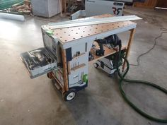 portable workshop - MF-TC multifuntion tool cart  The MF-TC is a homemade tool cart, in my workshop i have my sysport workbench and for small job site work i designed the MFTB tool box.