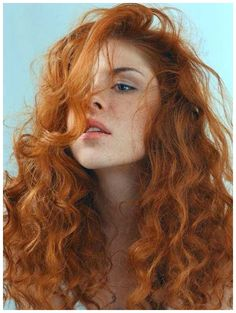 Beautiful Red Hair, Gorgeous Redhead, Red Freckles, Natural Redhead, Natural Red Hair, Redhead Girl, Irish Redhead, Long Curly, Hair Inspiration